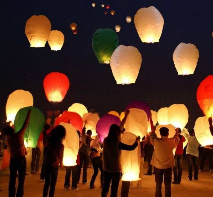 sky-lanterns-1